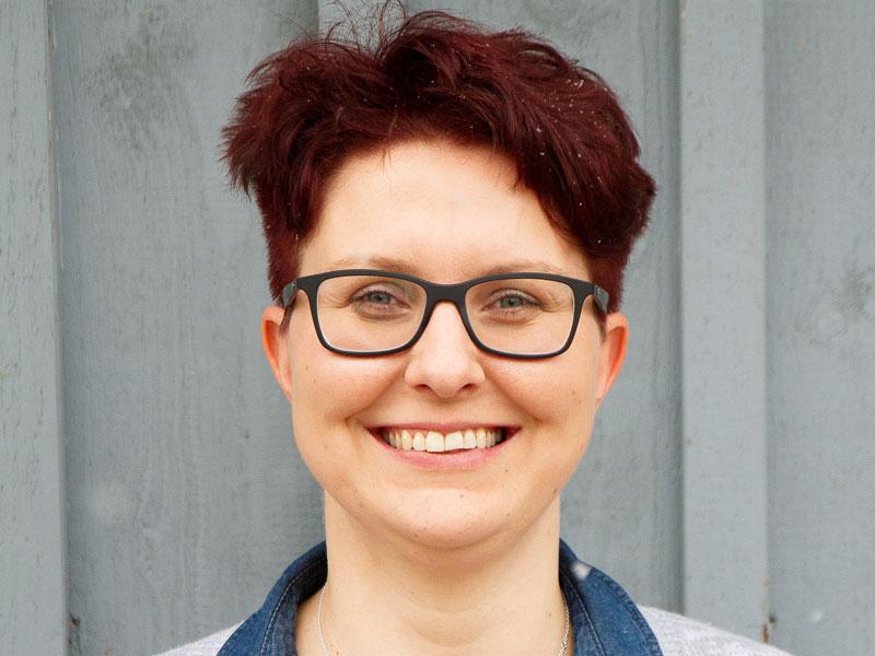 Fahrlehrerin Carina Metzner